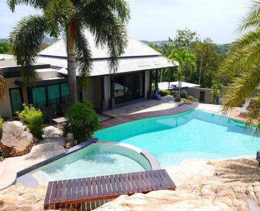 Villa with resort style pool