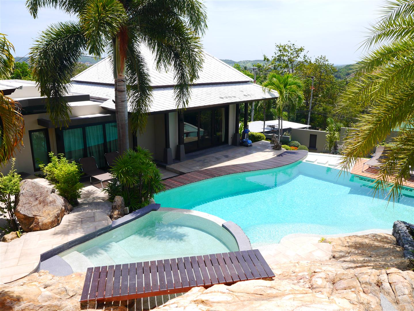Villa with resort style pool