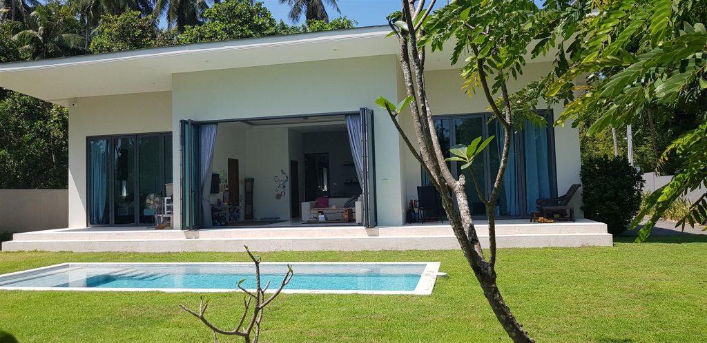 2 bedroom villa close to beach