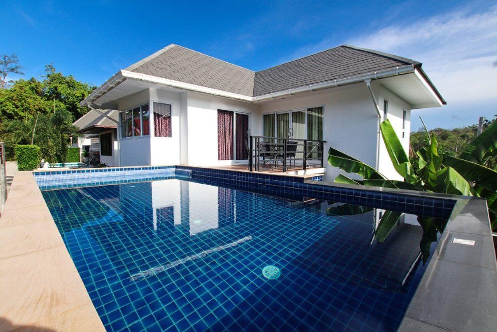 舒适的两卧室别墅设有私人游泳池