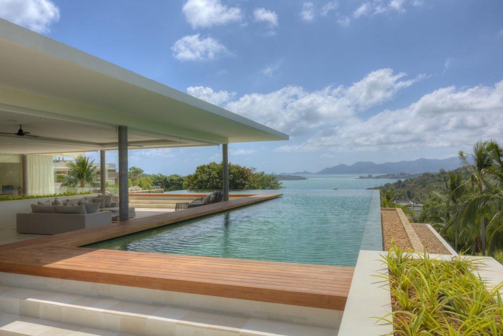 stunning 6 bedroom sea view villa with beach access