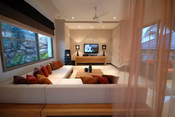 别墅客厅内部;泰国苏梅岛。
