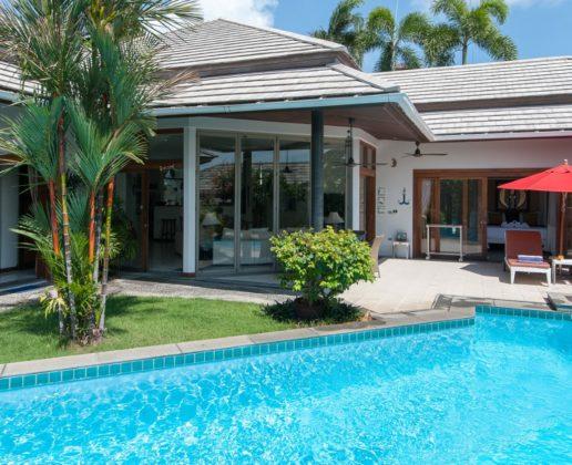 3 bedroom garden villa near the beach