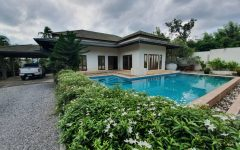 3 bedroom garden villa with boundary wall