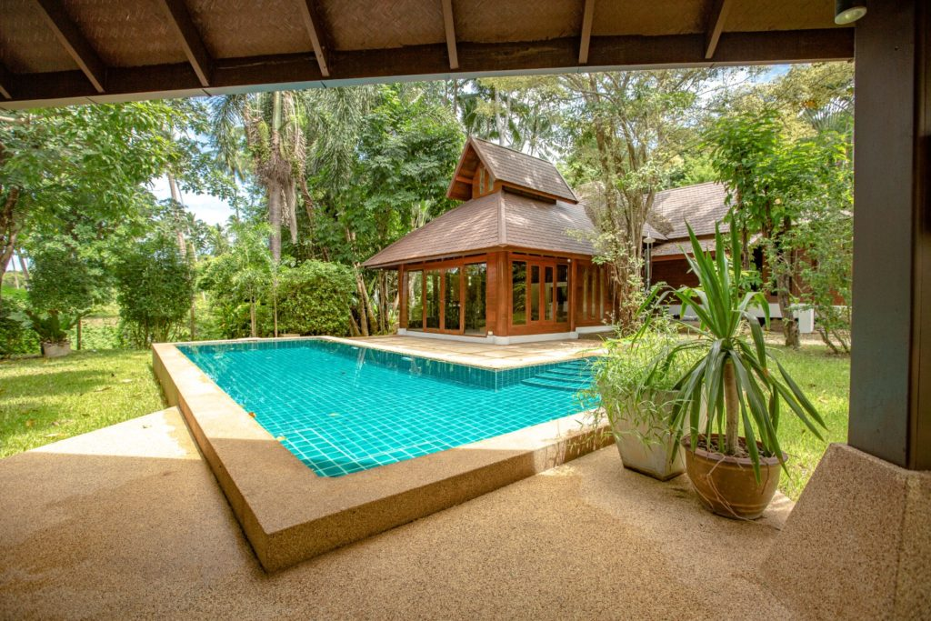 Private 2 bedroom villa with pool